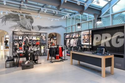 Sostener Industrial División  Nike Prague v novém hávu | Proti šedi